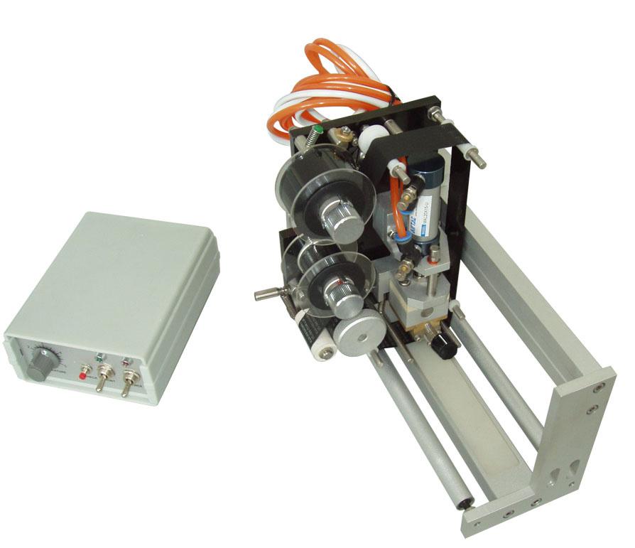 Máquina-codificación-estampado-en-caliente-dk700q-neumática-termotransferencia.es (3)